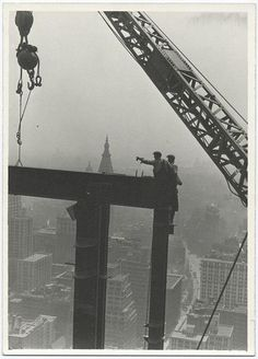Another shot of workers building the Empire State Building. Unknown year, possibly, 1930 or 31. Unknown source.