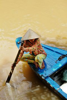 VIETNAMESE blog -- food and great photos, as you see  floatingmarket5 by Ravenous Couple, via Flickr