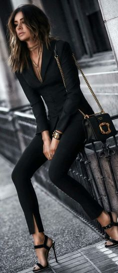 Click to see more stylish outfit ideas yout don't want to miss