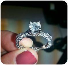 Beautiful Vintage engagment ring!