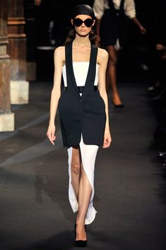 See the complete Chalayan Spring 2010 Ready-to-Wear collection.