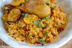 Arroz Atollado de Pollo y Chorizo (Creamy Rice with Chicken and Chorizo) Colombian Dishes, Colombian Recipes, Chorizo, Panama, Spanish Food, Spanish Recipes, Creamy Rice, Chicken Legs, Latin Food