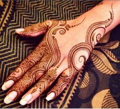 Explore latest Mehndi Designs images in 2019 on Happy Shappy. Mehendi design is also known as the heena design or henna patterns worldwide. We are here with the best mehndi designs images from worldwide. Henna Hand Designs, Eid Mehndi Designs, Mehndi Patterns, Mehndi Design Pictures, Latest Mehndi Designs, Henna Tattoo Designs, Mehandi Designs Modern, Mehndi Images, Mehndi Tattoo