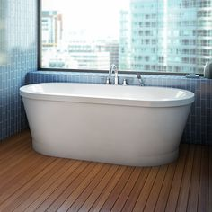Alcove's freestanding bathtub with integrated tiling flange / Eidel Collection Bathtub Alcove, Bathtub Drain, Soaking Bathtubs, Freestanding Bathtub, Air Tub, Floor Stain, Chromotherapy, Wall Mount Faucet, Bath