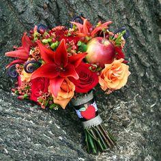 Dal forum di matrimonio.it tantissime idee per il bouquet della sposa! Bouquet rosso e arancione per la sposa. Guarda altre immagini di bouquet sposa: http://www.matrimonio.it/collezioni/bouquet/3__cat