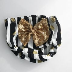 Toddler Bloomers, High Waisted Shorts, Toddler Girl Bottoms. Black and White Stripes with Metallic Gold dots with attached Sparkle Bow. Find us on Instagram/ Etsy @boobearco www.boobearco.etsy.com