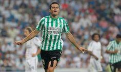 10. Jorge Molina - El delantero y capitán del conjunto verdiblanco ha rechazado ofertas para quedarse en el Villamarín. El jugador es muy querido por la afición y su peso en el equipo debería ser muy importante esta temporada.