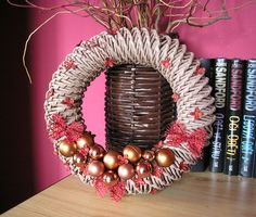 Vánoční věnec, Věnec, Vánoce, Pletení z papíru, Vánoce Wreaths, Halloween, Crochet, Home Decor, Corona, Art, Decoration Home, Door Wreaths, Room Decor