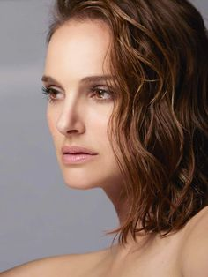 Natalie Portman - David Sims for Dior's Diorskin Forever Campaign 2019 — Celebrity Hive David Sims, Miss Dior, Natalie Portman Dior, Benjamin Millepied, Christian Dior, Kimberly Lee, Stars D'hollywood, Nathalie Portman, Actrices Hollywood
