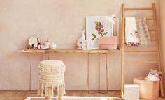 Com a chegada da primavera, nada mais gostoso do que renovar a decoração da casa com cores alegres e estampas florais. Veja no nosso blog como criar um decor no clima da estação!🌿🏠 #lilianazenaro #decoracao #reforma #interiores #designdeinteriores #projeto