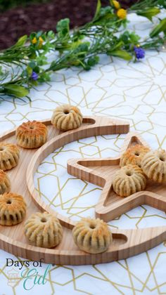 Now 25% larger than our previous version and any of other Moon & Star Platter on the market. The color of the platter is a light wooden color. This tray is going to make an exceptional date platter to greet your guests with in Ramadan.