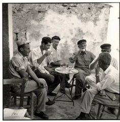 Kasos island The village coffee shop. Greece Photography, Vintage Photography, Greek Cafe, Islamic City, Greece Pictures, Forms Of Poetry, Greek Culture, Athens Greece, Ancient Greece