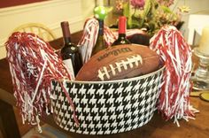 Tailgating bucket - these buckets are awesome! Tailgating Ideas, Tailgate Food, Alabama Football, School Spirit, Roll Tide, Football Season, Buckets, Auburn, Holiday Parties