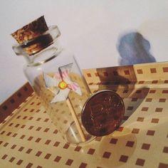 Ветерок ~ #origamilovers #origami #miniatures #miniature #mimimi #pinwheel #ветерок #миниатюра #оригами #баночкаi