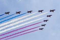 RAF Red Arrows in BAE Hawk T1 trainers Farnborough International Airshow Farnborough Airport Rushmoor Hampshire England  www.alamy.com/image-details-popup.asp?ARef=FC3221  #raf #red #team #jet #airplane #air #plane #display #aviation #airshow #force #hawk #arrows #flight #aerobatic #formation #sky #smoke #aircraft #royal #show #teamwork #military #flying #speed #fast #stunt #british #pilot #wing
