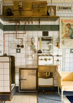 Via NYTimes. An apartment in St. Petersburg done 1930's Soviet Style