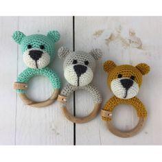 18 new ideas for crochet baby rattle ring teething toys Crochet Summer Hats, Crochet Baby Hats, Baby Blanket Crochet, Diy Crochet, Knitting Baby Girl, Crochet Headband Free, Granny Square Crochet Pattern, Baby Girl Hats, Teething Toys