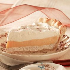 Eggnog cream pie... Great for Christmas !