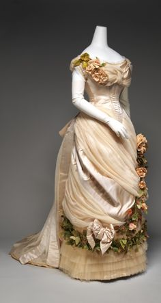 Evening dress House of Worth (French, 1858–1956) Designer: Charles Frederick Worth (French (born England), Bourne 1825–1895 Paris) Date: ca. 1882 Culture: French Medium: silk Front 2