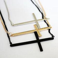 Cadena de cruz acostada