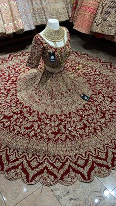 Red heavy bridal lehenga is fully finished with cutdana, sequins & rose gold stones! Fabric - Velvet Size - 38 Occasion - Wedding Reception Custom designed according to client measurements and color preference. Production and delivery time is 120 days! Wedding Lehenga Designs, Designer Bridal Lehenga, Indian Bridal Lehenga, Pakistani Wedding Dresses, Red Wedding Lehenga, Pakistani Bridal Couture, Pakistani Lehenga, Desi Wedding Dresses, Asian Bridal Dresses