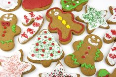 Everyone enjoys nibbling on a variety of Christmas cookies so hosting a Christmas cookie exchange would be a fabulous way to get all the lad. Best Christmas Desserts, Best Christmas Cookies, Holiday Cookies, Christmas Treats, Christmas Goodies, Christmas Bingo, Merry Christmas, Christmas Scenes, Christmas Activities