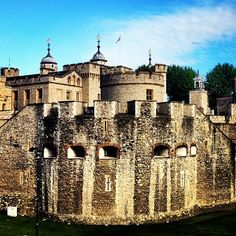 Tower of London στην πόλη London, Greater London London Attractions, Things To Do In London, Greater London, Tower Of London, London Calling, London Travel, Beautiful Buildings, Great Britain, Places To See