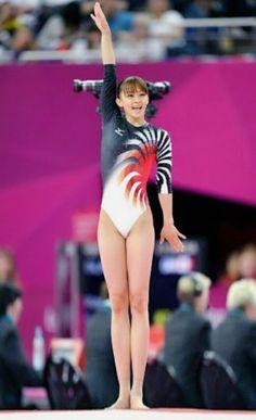 Gymnastics Poses, Acrobatic Gymnastics, Artistic Gymnastics, Rhythmic Gymnastics Leotards, Gymnastics Girls, Athletic Body, Athletic Women, Nadia Comaneci, Beautiful Athletes