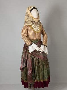 Women's costume of Spetses, Argosaronic Islands Early century ©Peloponnesian Folklore Foundation, Nafplion, Greece The costumes of Spetses, Hydra and the Ermionida region generally used to have a. Greek Traditional Dress, Traditional Outfits, Gypsy Costume, Folk Costume, Historical Costume, Historical Clothing, Dance Costumes, Greek Costumes, Costumes Around The World
