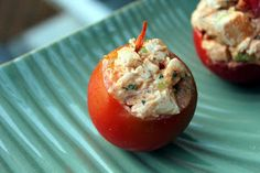 Buffalo chicken salad stuffed tomatoes ~ Stuff I Make My Husband #21dsd #paleo