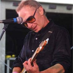 Graham Parker has been delivering perfect Pub Rock and New Wave since the mid seventies and was even once backed up by the Boss on his great track Endless Night.  Still offering great music to this day.