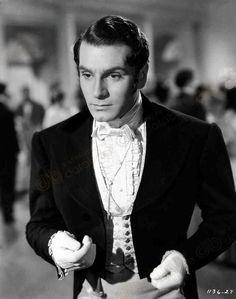 Laurence Olivier dans Orgueil et Préjugés 1940.  Retrouvez la chronique de ce film sur Jane Austen is my Wonderland