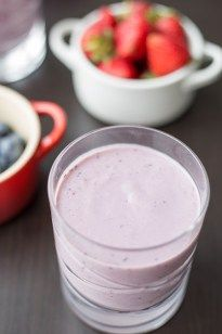A refreshing and sweet berry smoothie. Thanks to the added avocado this smoothie is creamy and rich and a perfect breakfast replacement.
