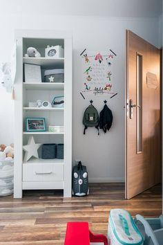 Nursery Furniture Sets, Kids Furniture, Furniture Making, Nursery Decor, House Beds For Kids, Modern Bookcase, Cot Bedding, Kidsroom, Scandinavian Design