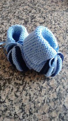 Oi pessoal, trago hoje para vocês a receita do sapatinho da última postagem....   Para a confecção deste sapatinho, utilizei lã pr...