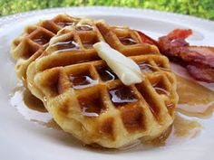 Easy Biscuit Waffles...how clever!