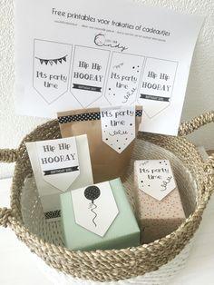 Mom Birthday Gift, Birthday Presents, Girl Birthday, Diy Gifts, Handmade Gifts, Diy Clutch, Hobby Kits, Anniversary Gifts For Wife, Present Gift