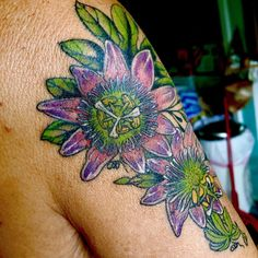 Passionflowers done on the upper arm Passion Flower, Nature Tattoos, Watercolor Tattoo, Arms, Temp Tattoo, Watercolor Tattoos