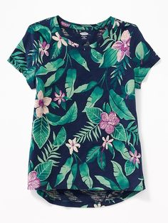 Old Navy Girls' Softest Printed Tees Navy Tropical Print Regular Size XS New Outfits, Girl Outfits, Toddler Boy Gifts, Textile Pattern Design, Stitch Fix Outfits, Old Navy Girls, Tween Fashion, Girls Tees, Printed Tees