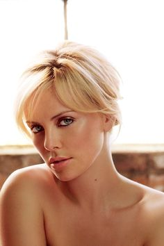 Today in History Charlize was born on August 1975 Charlize Theron is a South African and American actress, producer and fashion model and was born on August She has starred in several Ho Beautiful Celebrities, Most Beautiful Women, Beautiful People, Beauté Blonde, Charlize Theron Photos, Atomic Blonde, Celebrity Wallpapers, Celebrity Photos, Belle Photo
