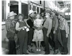 Roy Rogers is greeted by Dale Evans, Gabby Hayes, Pat Brady and Bob Nolan & the Sons of the Pioneers - Publicity Still. Cowboy Films, John Wayne Movies, Dale Evans, Singing Career, Roy Rogers, American Actors, Album Covers, Actors & Actresses, Singer