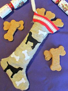 dog projects for kids craft ideas Christmas Present For You, Dog Christmas Stocking, Kids Christmas, Christmas Stockings, Christmas Crafts, Christmas Presents, Dog Buscuits, Projects For Kids, Crafts For Kids