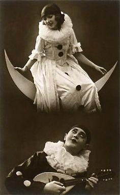 vaudeville vintage clown... I'm having nightmares tonight.