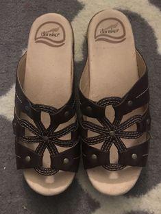 d60366bc9fa23 Dansko Mules Sandals Women s Size 7 US 37 EU Brown Leather Floral Clogs