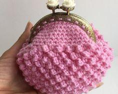 Artículos similares a blue warm cozy crochet coin purse en Etsy
