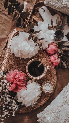 Flower Iphone Wallpaper, Fall Wallpaper, Iphone Background Wallpaper, Pastel Wallpaper, Tumblr Wallpaper, Aesthetic Backgrounds, Aesthetic Iphone Wallpaper, Aesthetic Wallpapers, Flat Lay Photography