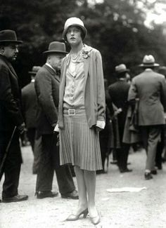 Yola Letellier wearing Chanel at the Grand Prix; photo by the Seeberger Brothers