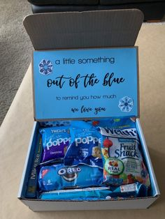 Out of the Blue Care Package. a great care package idea for college students, fr. Out of the Blue Care Package. a great care package idea for college students, friends and military. Cute Birthday Gift, Birthday Gifts For Best Friend, Blue Birthday, Gifts For Best Friends, Diy Birthday Basket, Women Birthday Gifts, Crafty Birthday Gifts, Birthday Surprise Ideas For Best Friend, Birthday Money Gifts
