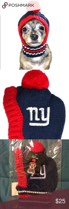 NY Giants Doggie hat Support you favorite team!  The only dog hat to actually stay on because the stretch scarf holds 'em on tight!      Small - fits dogs up to approx 20 lbs Med - fits dogs from 20 lbs up to approx 45-50 lbs Large - fits dogs from 50 lbs up to approx 90-110 lbs  All sizing approximate - Hats have a lot of stretch and fit range!  Licensed and Manufactured by Little Earth Production  #nfl #newyorkgiants #giants #hipdoggie #licensed #littlearthproduction #doghat Little Earth…