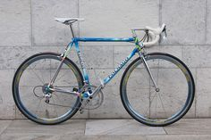 Colnago Master with Ambrosio Excellence blue Bicycle Race, Mtb Bike, Bicycle Painting, Vintage Bikes, Vintage Sport, Old Frames, Old Bikes, Riding Gear, Bike Parts